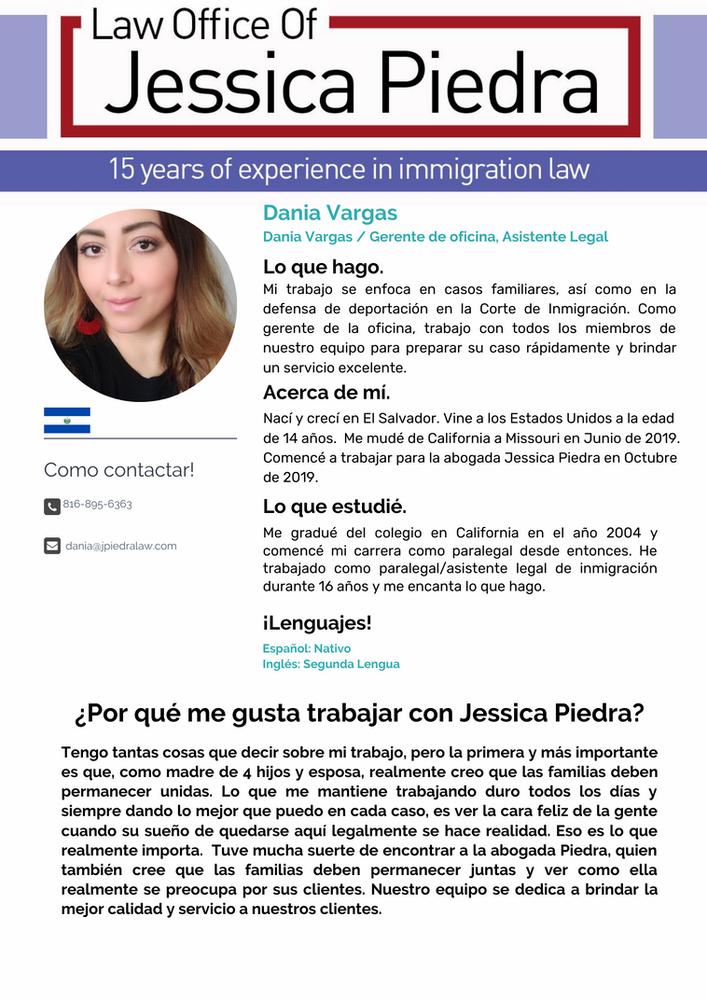 Dania Vargas, Gerente de Oficina, Asistente Legal